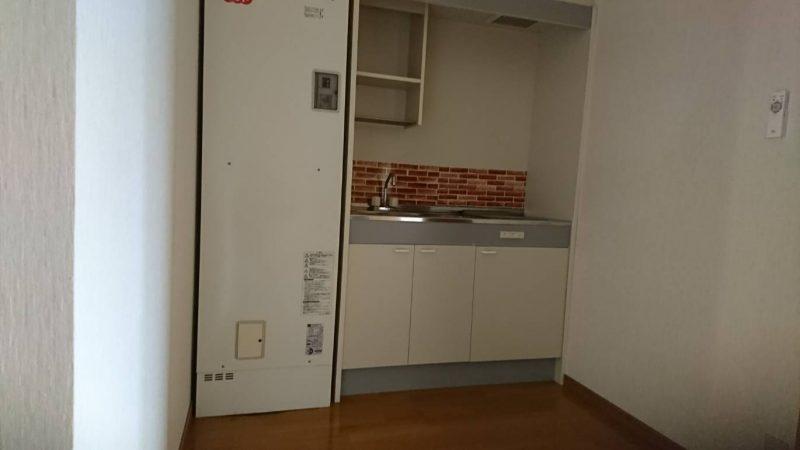 アパートの室内電気温水器を、ベランダに設置